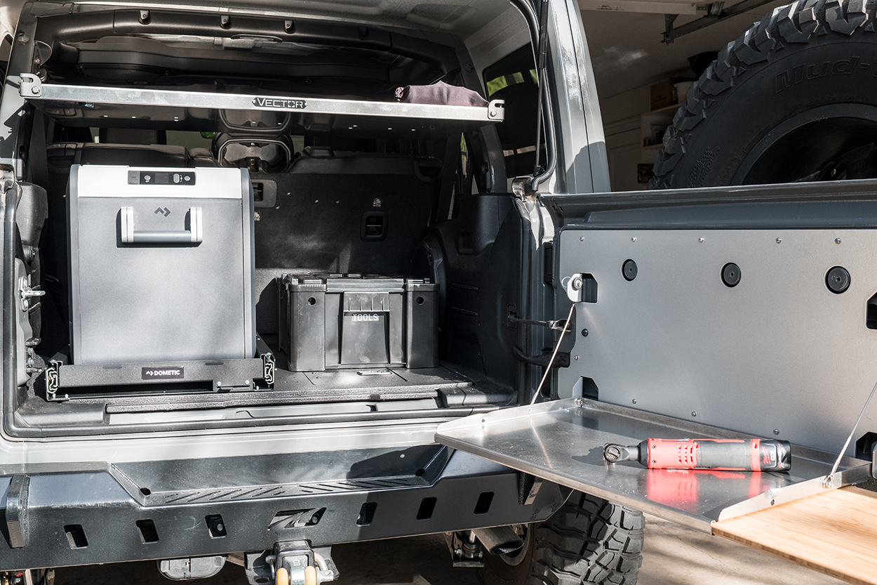 Goose Gear Plate System and Dometic Fridge Slide for Jeep JLU
