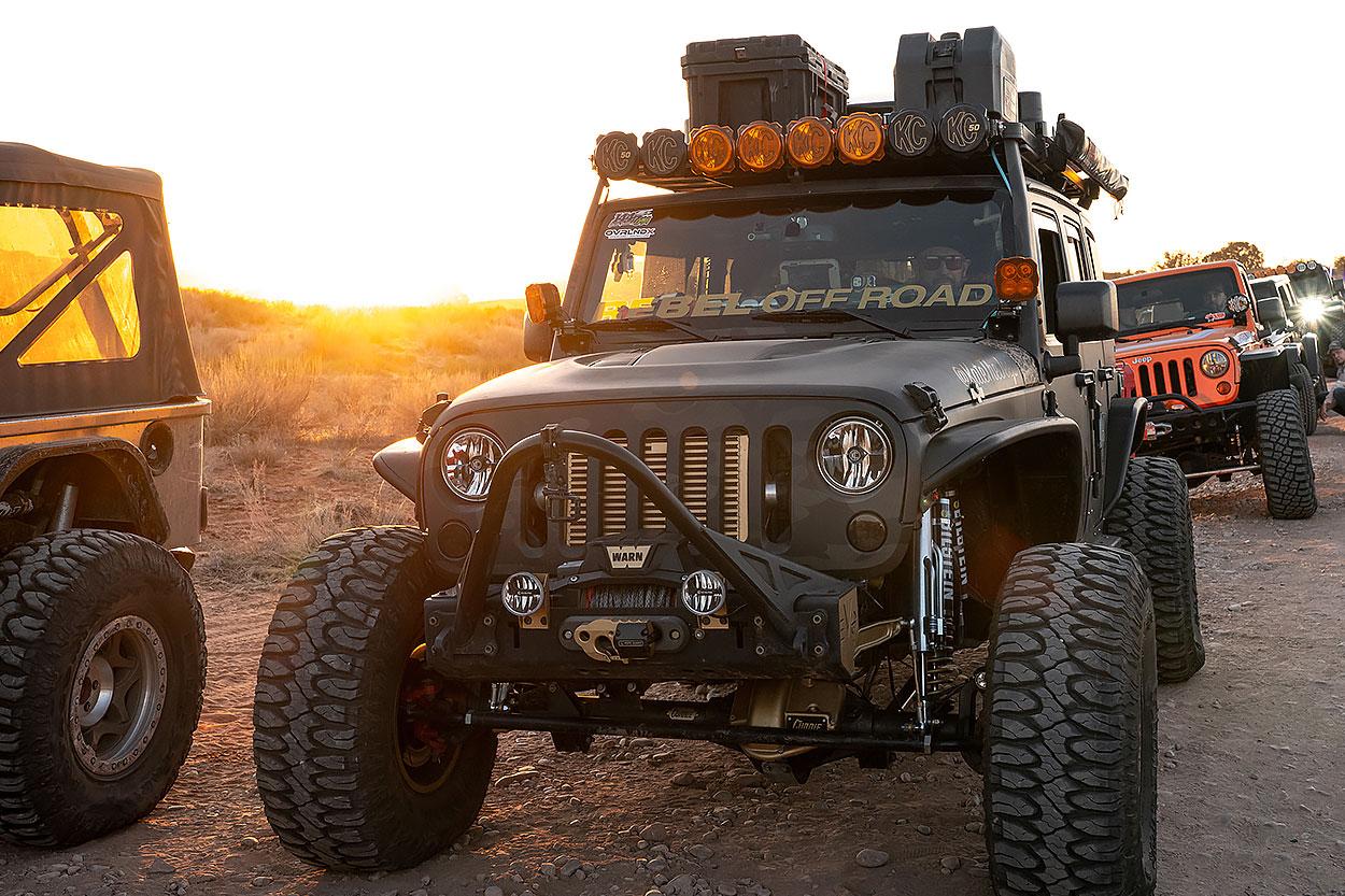 Lifted JKU with KC Pro6 M-Rack
